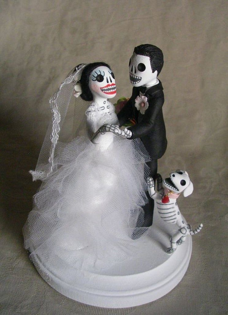 united-till-death-separates-us-wedding-cake-toppers-3 50+ Funniest Wedding Cake Toppers That'll Make You Smile [Pictures] ...