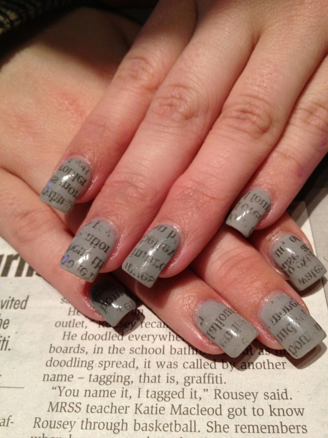 327222_222065437875527_100002162183494_486807_1156795406_o 20+ Creative Newspaper Nail Art Design Ideas