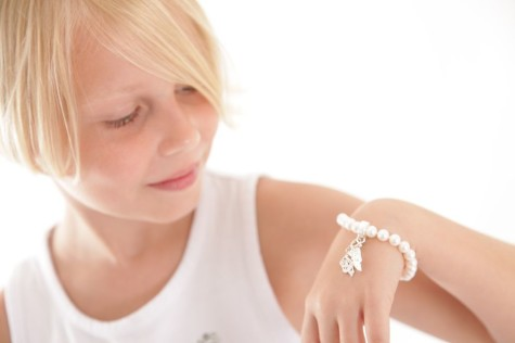 57D3EAB822D927063CA55D1CAFBBD056-475x316 How Do You Select Gemstones For Young Girls?