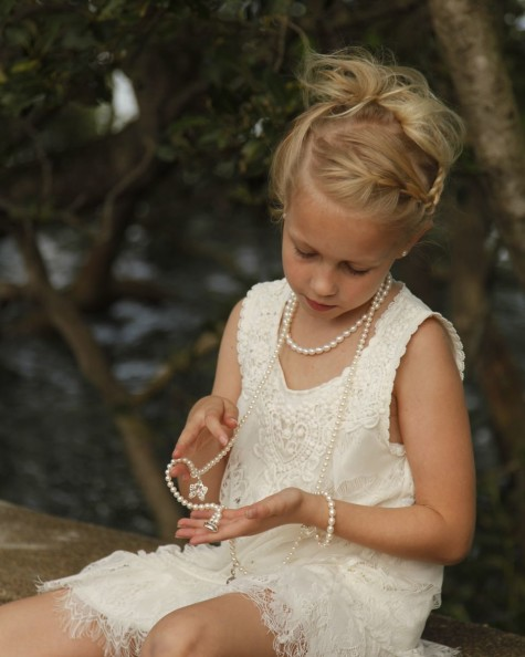 6EF9CB220446C99390432B390AAEAAF2-475x594 How Do You Select Gemstones For Young Girls?