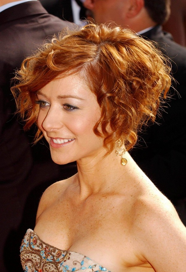 Alyson-Hannigan Sexiest Prom Hairstyles for Short Hairs
