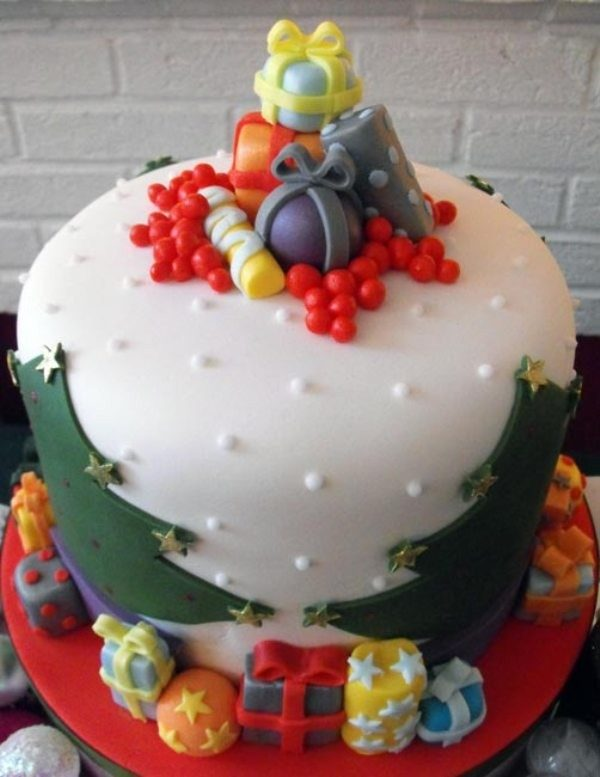 Christmas-Cake-Decoration-Ideas-2017-22 82+ Mouthwatering Christmas Cake Decoration Ideas 2019
