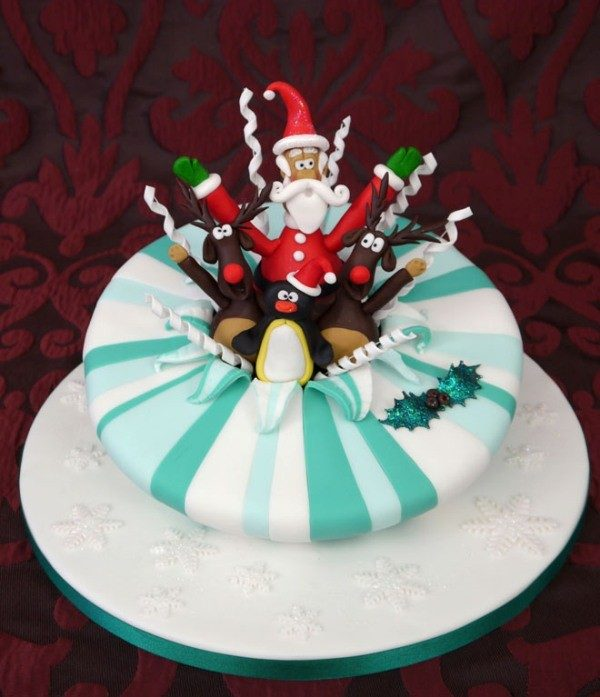 Christmas-Cake-Decoration-Ideas-2017-24 82+ Mouthwatering Christmas Cake Decoration Ideas 2019