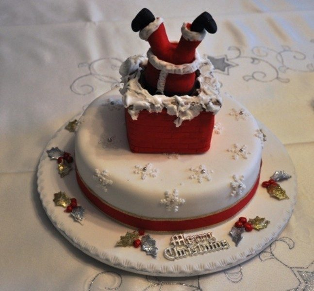 Christmas-Cake-Decoration-Ideas-2017-33 82+ Mouthwatering Christmas Cake Decoration Ideas 2019