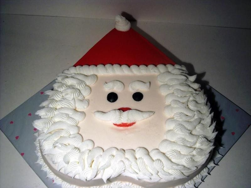 Christmas-Cake-Decoration-Ideas-2017-44 82+ Mouthwatering Christmas Cake Decoration Ideas 2019