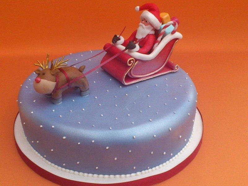 Christmas-Cake-Decoration-Ideas-2017-45 82+ Mouthwatering Christmas Cake Decoration Ideas 2019