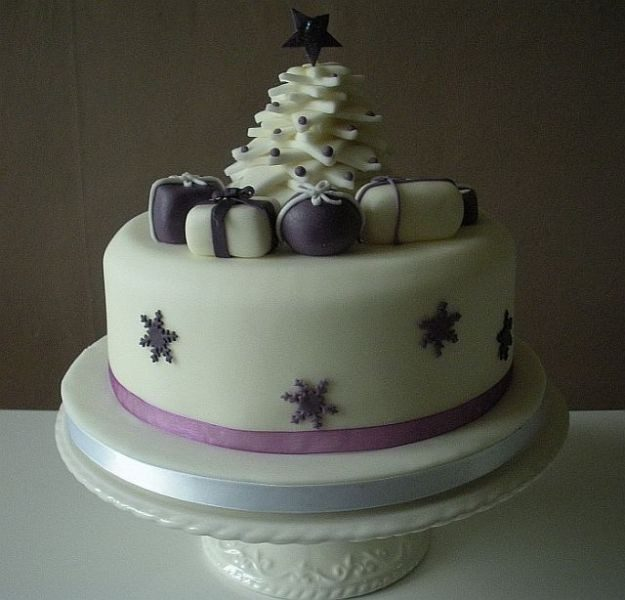 Christmas-Cake-Decoration-Ideas-2017-47 82+ Mouthwatering Christmas Cake Decoration Ideas 2019