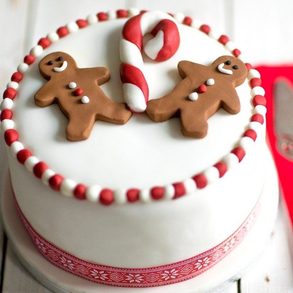 Christmas-Cake-Decoration-Ideas-2017-52 82+ Mouthwatering Christmas Cake Decoration Ideas 2019