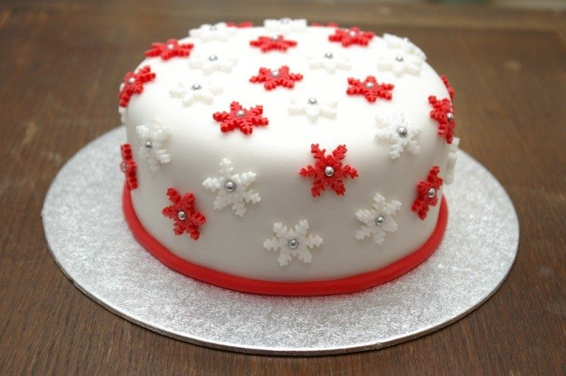 Christmas-Cake-Decoration-Ideas-2017-58 82+ Mouthwatering Christmas Cake Decoration Ideas 2019