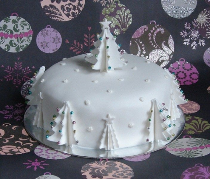 Christmas-Cake-Decoration-Ideas-2017-66 82+ Mouthwatering Christmas Cake Decoration Ideas 2019