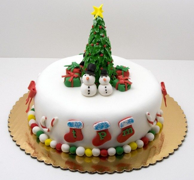 Christmas-Cake-Decoration-Ideas-2017-67 82+ Mouthwatering Christmas Cake Decoration Ideas 2019