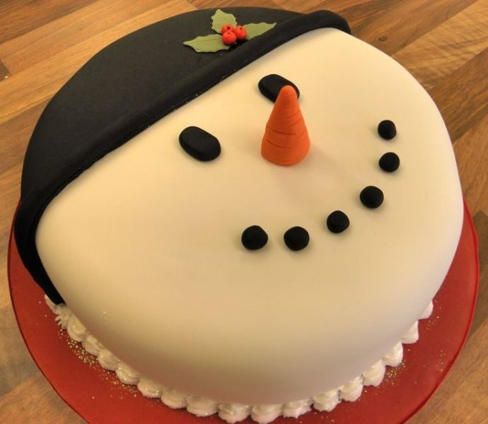 Christmas-Cake-Decoration-Ideas-2017-79 82+ Mouthwatering Christmas Cake Decoration Ideas 2019