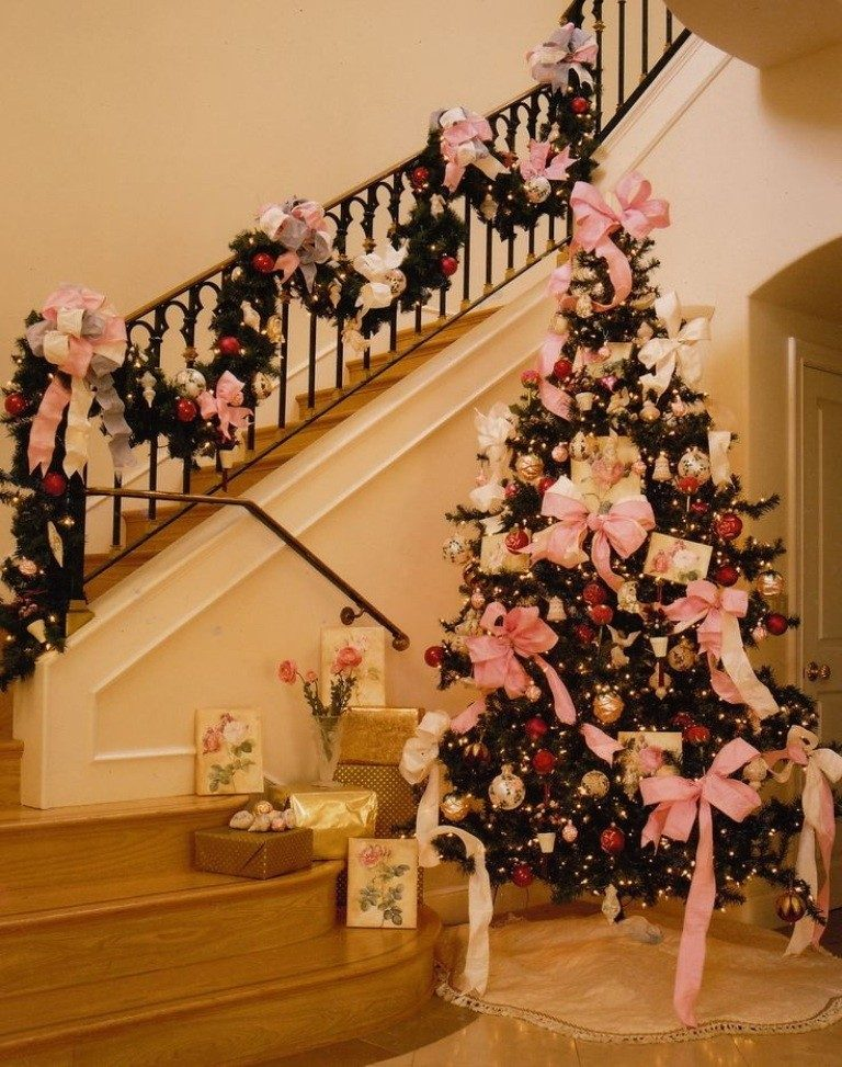Christmas-Decoration-Trends-2017-30 75 Hottest Christmas Decoration Trends & Ideas 2018-2019