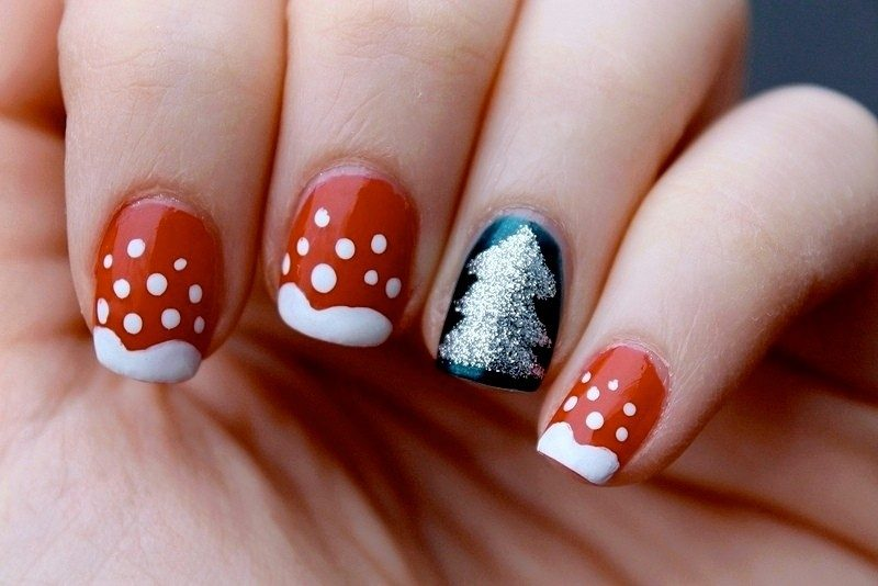 Christmas-Nail-Art-Design-Ideas-2017-13 88 Awesome Christmas Nail Art Design Ideas 2017