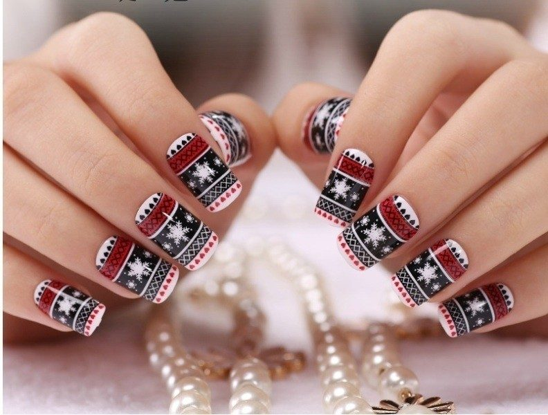 Christmas-Nail-Art-Design-Ideas-2017-2 88 Awesome Christmas Nail Art Design Ideas 2017
