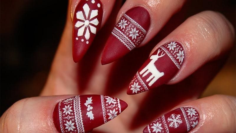 Christmas-Nail-Art-Design-Ideas-2017-30 88+ Hottest Christmas Nail Art Design Ideas 2021
