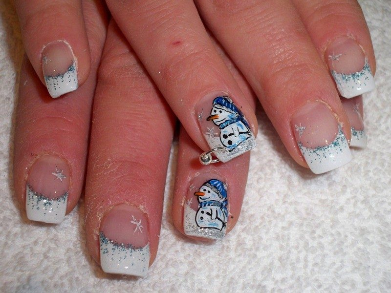 Christmas-Nail-Art-Design-Ideas-2017-38 88 Awesome Christmas Nail Art Design Ideas 2017