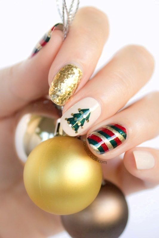 Christmas-Nail-Art-Design-Ideas-2017-69 88 Awesome Christmas Nail Art Design Ideas 2017