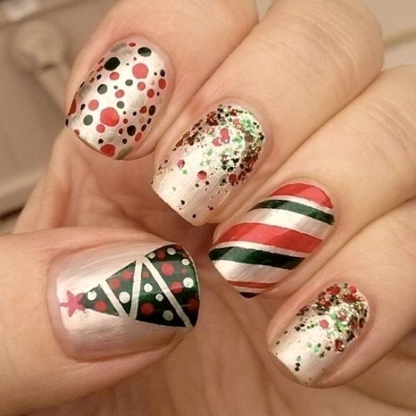 Christmas-Nail-Art-Design-Ideas-2017-76 88 Awesome Christmas Nail Art Design Ideas 2017