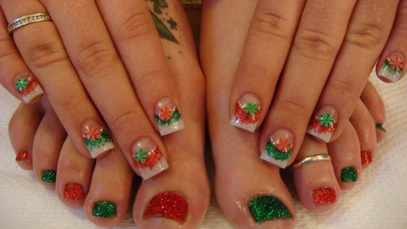 Christmas-Toenail-Art-Design-Ideas-2017-1 45+ Lovely Christmas Toenail Art Design Ideas