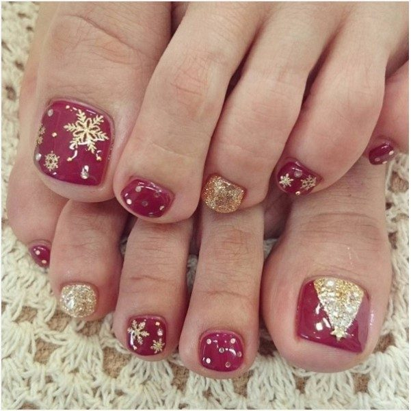 Christmas-Toenail-Art-Design-Ideas-2017-2 45+ Lovely Christmas Toenail Art Design Ideas
