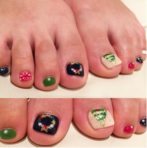 Christmas-Toenail-Art-Design-Ideas-2017-24 45+ Lovely Christmas Toenail Art Design Ideas