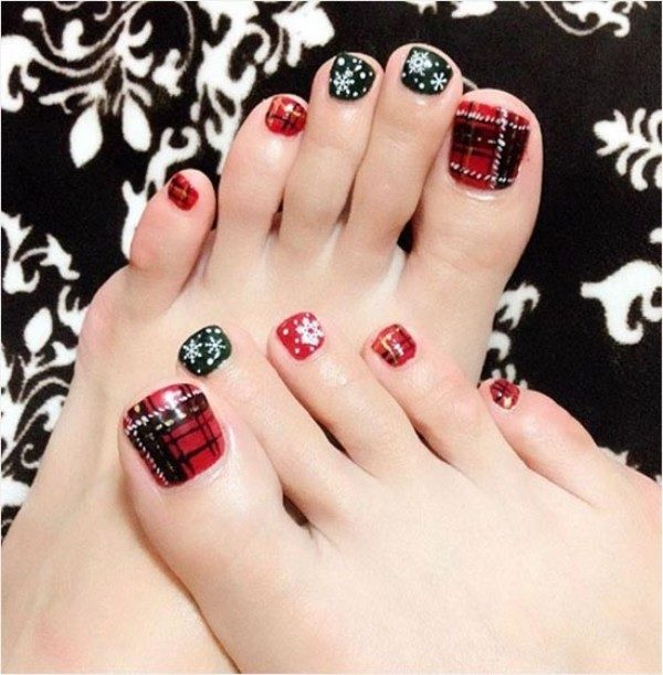 Christmas-Toenail-Art-Design-Ideas-2017-3 45+ Lovely Christmas Toenail Art Design Ideas