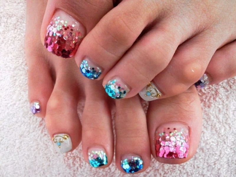 Christmas-Toenail-Art-Design-Ideas-2017-35 45+ Lovely Christmas Toenail Art Design Ideas