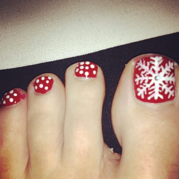Christmas-Toenail-Art-Design-Ideas-2017-39 45+ Lovely Christmas Toenail Art Design Ideas