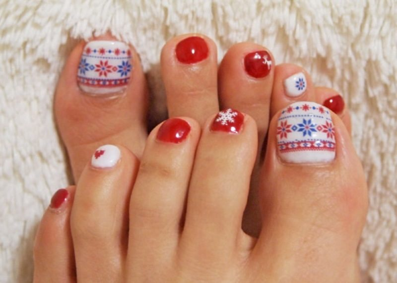Christmas-Toenail-Art-Design-Ideas-2017-43 45+ Lovely Christmas Toenail Art Design Ideas