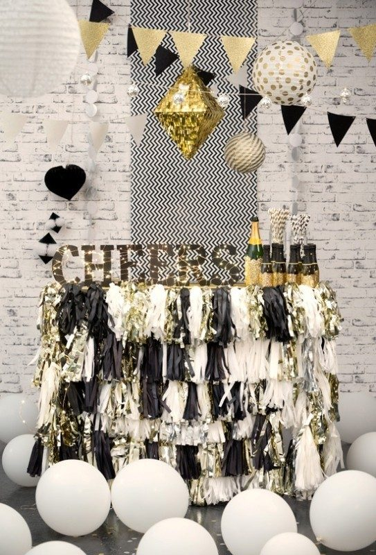 New-Years-Eve-2017-Decorating-Ideas-16 84 Awesome New Year's Eve 2017 Decorating Ideas