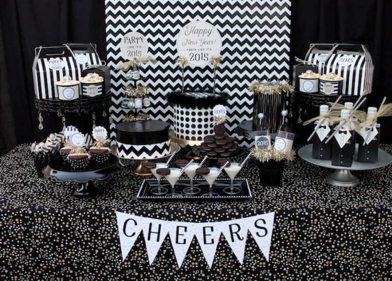 New-Years-Eve-2017-Decorating-Ideas-67 84 Awesome New Year's Eve 2017 Decorating Ideas