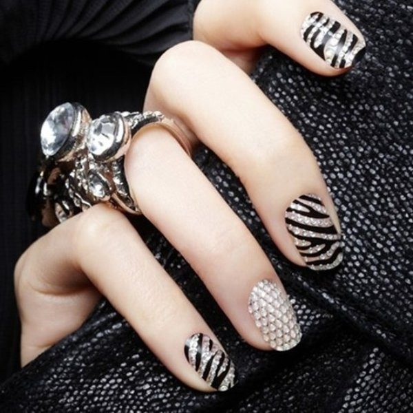 New-Years-Eve-Nail-Art-Design-Ideas-2017-28 89+ Astonishing New Year's Eve Nail Design Ideas for Winter 2020