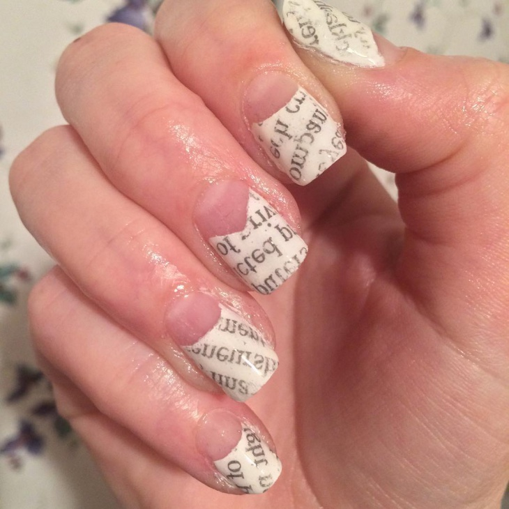 Tip-White-Newspaper-Nail-Design 20+ Creative Newspaper Nail Art Design Ideas