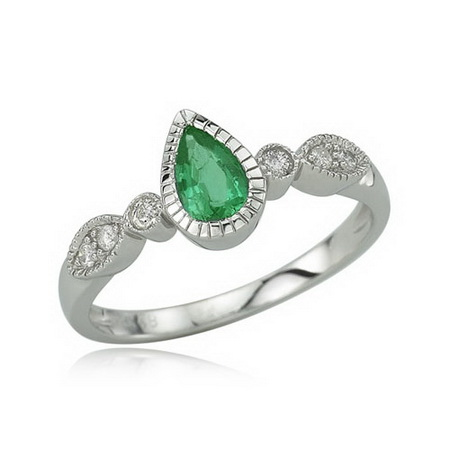 emerald8 How Do You Select Gemstones For Young Girls?