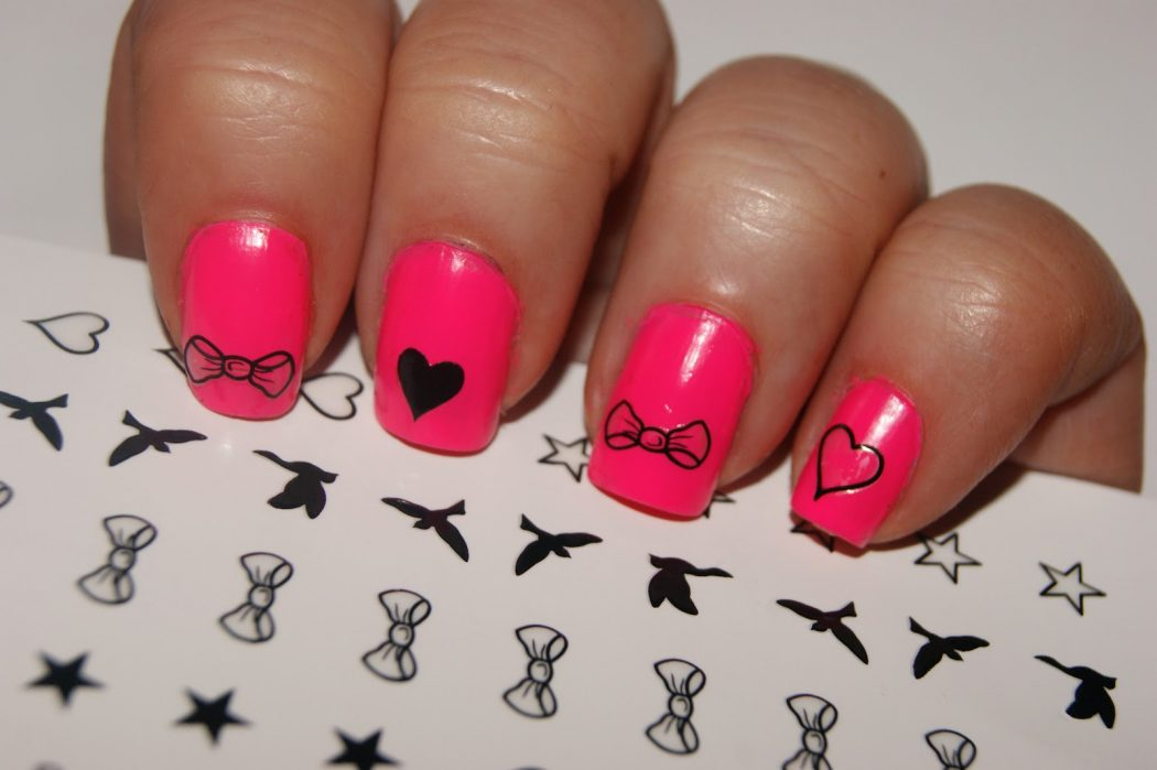 nail-art-tattoos-pink-heart-and-bows 50+ Coolest Wedding Nail Design Ideas