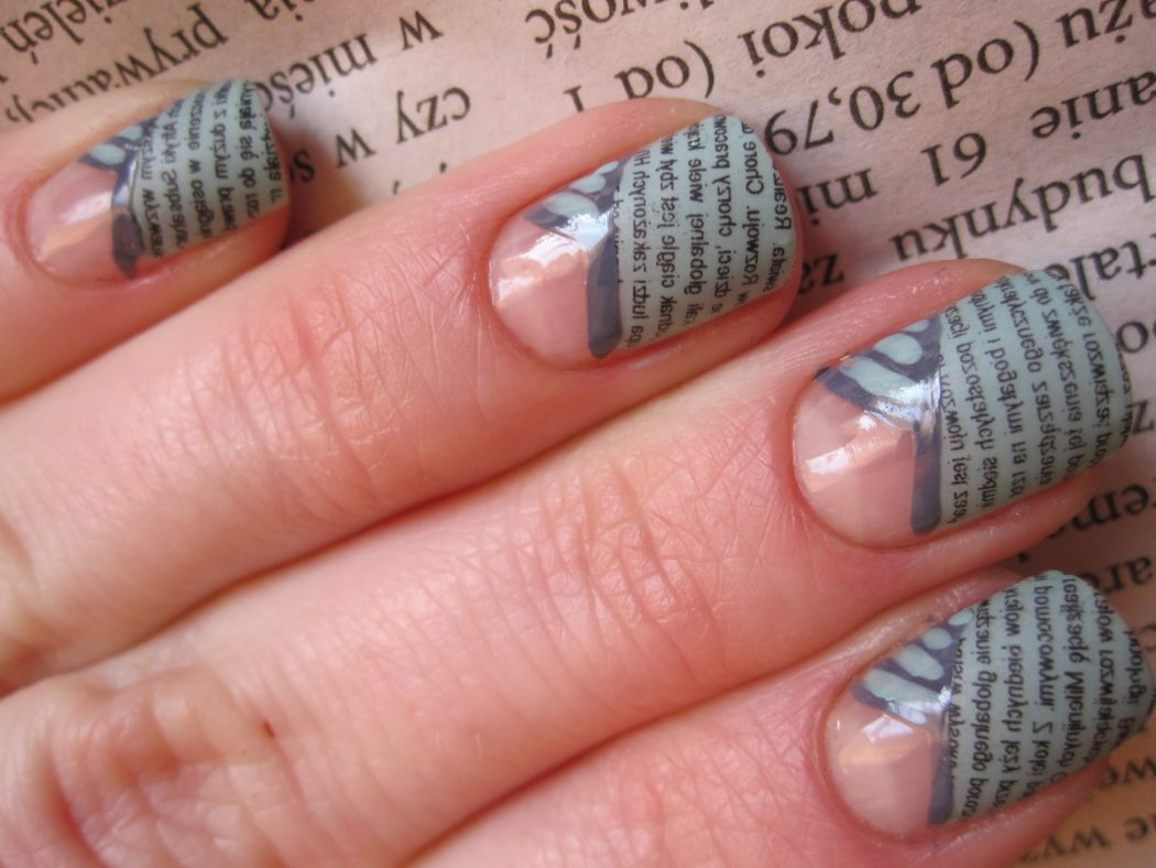 newspaper-nail-art 20+ Creative Newspaper Nail Art Design Ideas