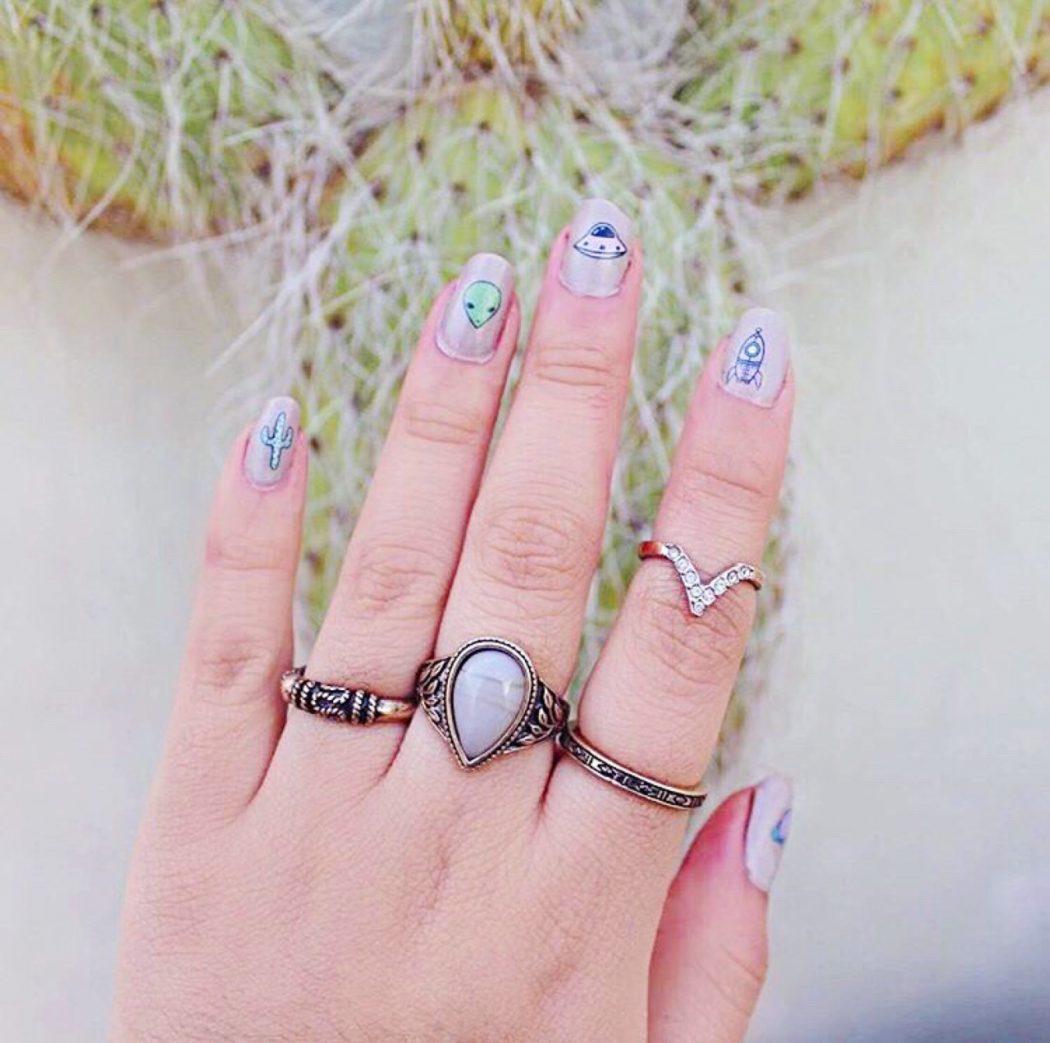 tumblr_o1pxis4GMm1su0xqyo1_1280 50+ Coolest Wedding Nail Design Ideas