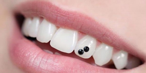 1418313620X310 45 Amazing Teeth Jewelry Pieces For Extra Beauty