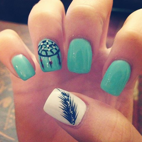 438c62d594115b86c490a954fb6dcd85-2 36 Easiest Feather Nail Art Designs
