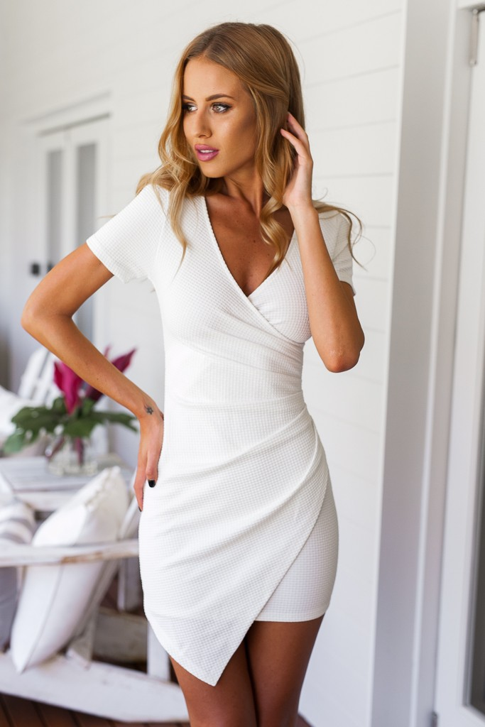 9460ca8ea305fd6fc55ad11eab0ccc09 25+ Women Engagement Outfit Ideas Coming in 2020