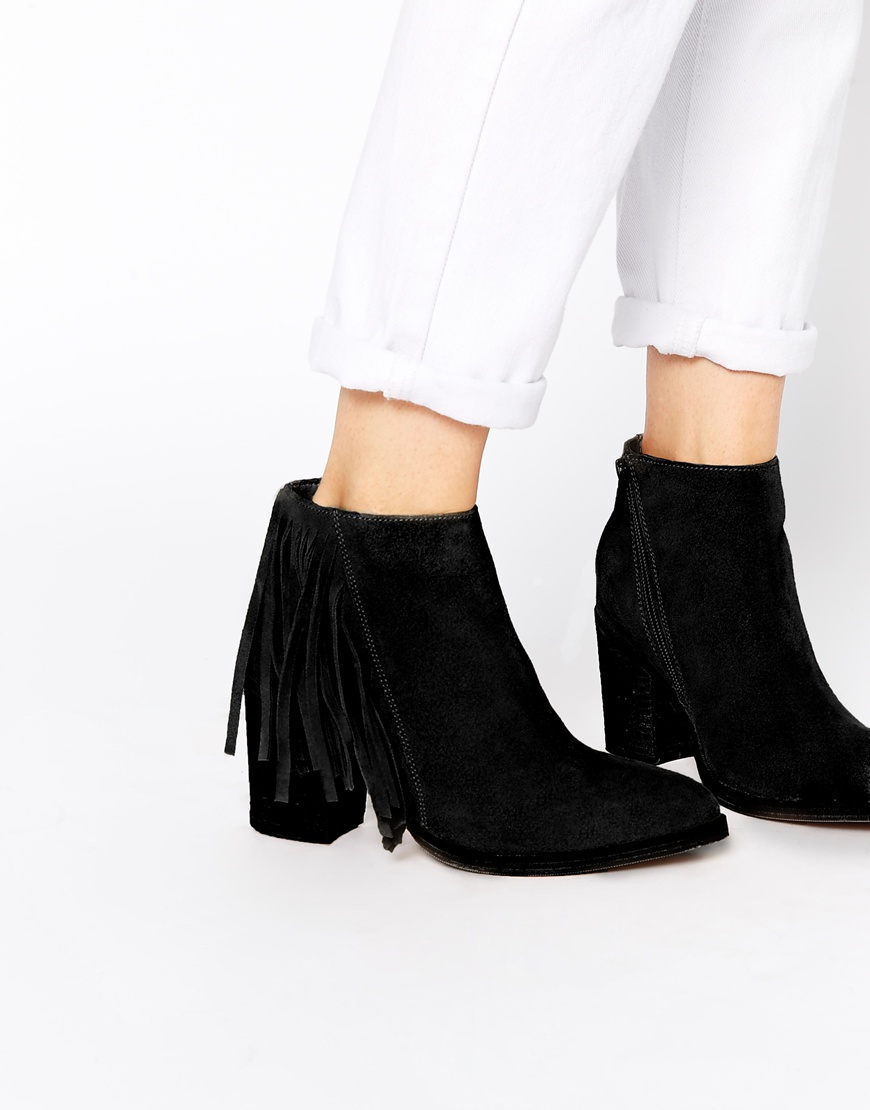 Fringing-Boots1 Top 10 Most Stylish Boot Trends