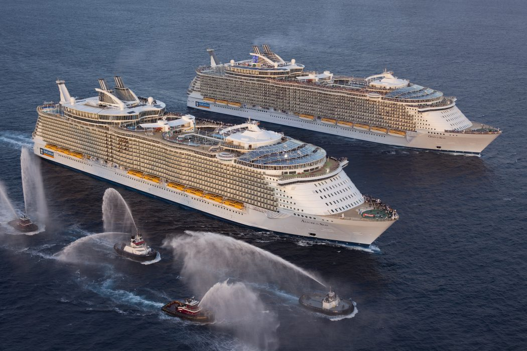 Frommers-names-Oasis-of-the-Seas-and-Allure-of-the-Seas-amongst-Best-Cruise-Ships-of-2011 Top 10 Craziest Future Boat Designs
