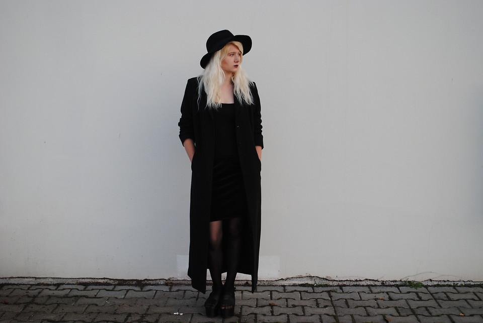 Long-Black-Coat1 8 Main Winter & Fall Jackets & Coats Trends in 2020