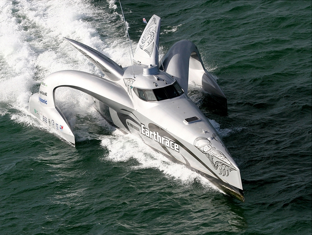 MJ_05_SEPT_07_Newsletter_Earthrace Top 10 Craziest Future Boat Designs