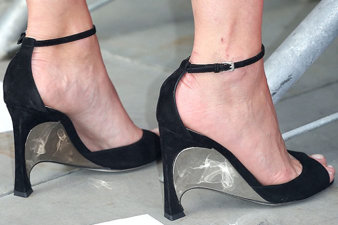 Marion-Cotillard-Dior-sculpted-metal-heels-675x450 5 Upcoming Shoes Trends for Women in 2018
