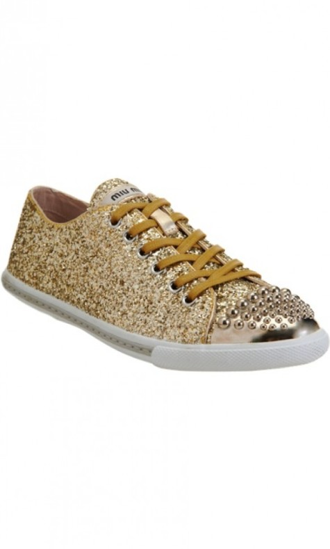MiuMiu-golden-shoes4-475x790 Stop Here ! Know How To Select The Best Golden And Silver Jewelry For Different Occasions ?