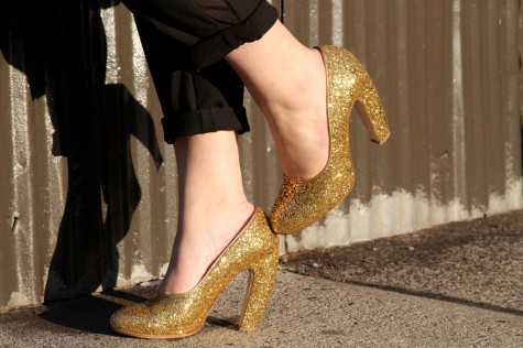 MiuMiu-golden-shoes8-475x316 Stop Here ! Know How To Select The Best Golden And Silver Jewelry For Different Occasions ?