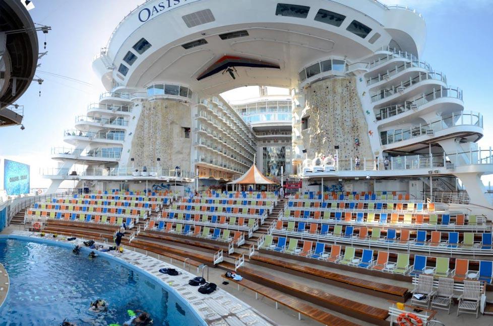 Oasis-of-the-seas Top 10 Craziest Future Boat Designs