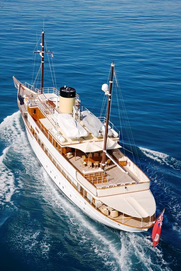 RS-EDEN-Exterior-5 Top 10 Craziest Future Boat Designs